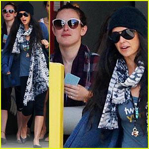 Demi Moore & Rumer Willis Leave Yoga Class Together