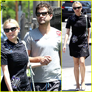 Diane Kruger &amp; Joshua Jackson Hold Hands After Lunch!