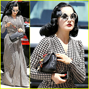 Dita Von Teese: Girls' Girl Definer!