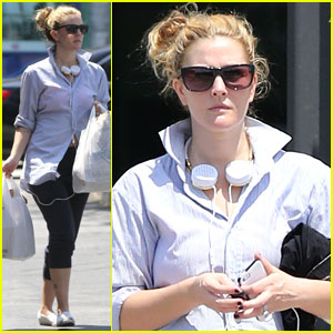 Drew Barrymore: Yoga & Groceries in WeHo
