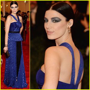 Jessica Pare - Met Ball 2013 Red Carpet