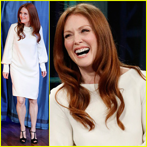 Julianne Moore: Flip Cup on 'Late Night with Jimmy Fallon'!