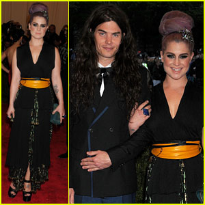 Kelly Osbourne & Matthew Mosshart - Met Ball 2013 Red Carpet