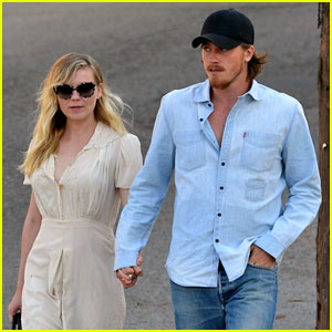Kirsten Dunst & Garrett Hedlund Hold Hands on Date Night