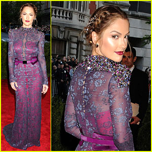 Minka Kelly - Met Ball 2013 Red Carpet