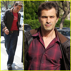 Olivier Martinez: Bristol Farms Snack!