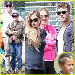 Reese Witherspoon & Ryan Phillippe Bring Their Significant Others to Deacon's Football Game!