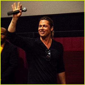 Brad Pitt Surprises Audience at 'World War Z' Atlanta Screening!