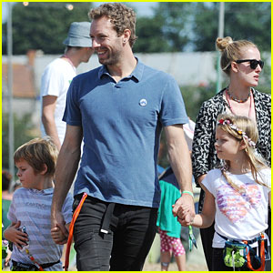 Chris Martin: Glastonbury Festival with Apple & Moses!