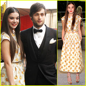 Hailee Steinfeld & Douglas Booth - CFDA Fashion Awards 2013