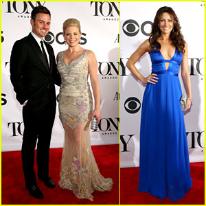 Megan Hilty & Laura Benanti - Tony Awards 2013 Red Carpet