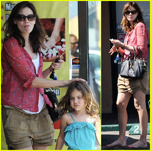 Michelle Monaghan Visits the Nail Salon with Willow