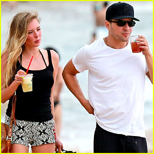 Ryan Phillippe: Hawaiian Getaway with Paulina Slagter!