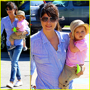 Selma Blair Steps Out After 'Anger Management' Firing Rumors
