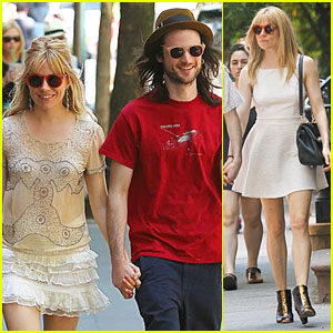 Sienna Miller & Tom Sturridge Hold Hands for Lunch!