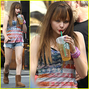 Chloe Moretz: Patriotic Iced Tea Drinker on 'The Equalizer' Set!
