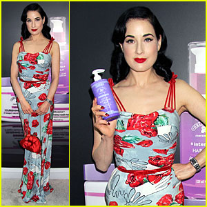 Dita Von Teese: Cosmoprof Convention Beauty Babe!