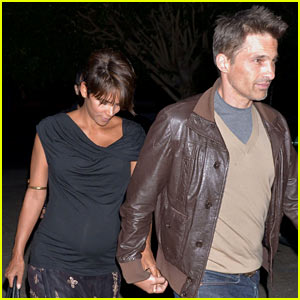 Halle Berry & Olivier Martinez: Newlyweds at Acabar!