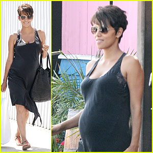 Halle Berry: Pregnancy Glowing Fabric Shopping!