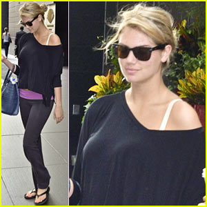 Kate Upton Makes It An Early Morning in New York!