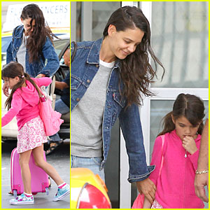 Katie Holmes & Suri: JFK Arrival Before July 4th Weekend!