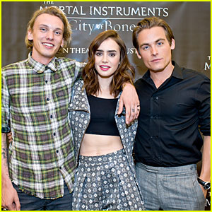 Lily Collins & Jamie Campbell Bower: 'City of Bones' Autograph Signing!