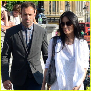 Lucy Liu & Jonny Lee Miller Film 'Elementary' in London