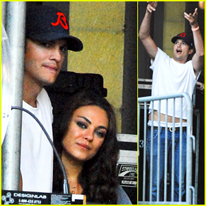 Mila Kunis & Ashton Kutcher: Taste of Chicago Concert Couple!