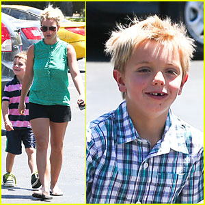 Britney Spears: Movie Day with Jayden James & Sean Preston!