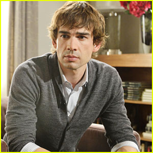 'Covert' Affairs Exclusive Clip: Auggie Goes Off the Books
