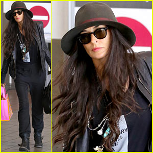 Demi Moore Travels Light at LAX