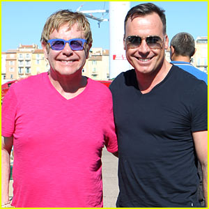 Elton John Vacations After Appendicitis Recovery