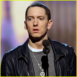Eminem Reveals He's 'Back' for MTV VMAs 2013 Tonight!