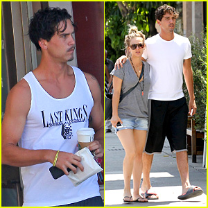Kaley Cuoco Walks Arm in Arm with Ryan Sweeting