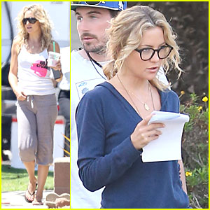 Kate Hudson Wears Two Outfits on 'Wish I Was Here' Set!
