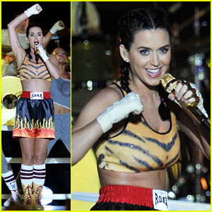 Katy Perry: VMAs 2013 Performance of 'Roar' - WATCH NOW!