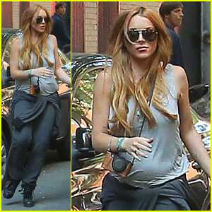 Lindsay Lohan Moves into New NYC Apartment!