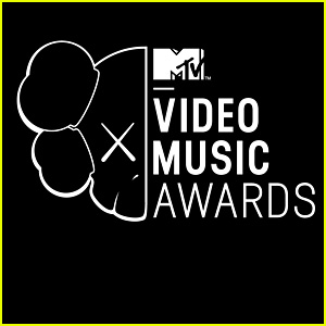 Watch MTV VMAs 2013 Live Stream Video from Red Carpet!