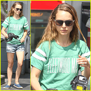 Natalie Portman: Fleetwood Mac Music Fan!