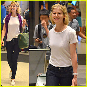 Rosamund Pike: LAX Arrival After 'Gone Girl' Casting News!