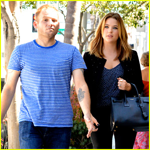 Ashley Benson Grabs Lunch with Manager Thor Bradwell