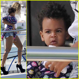 Beyonce & Blue Ivy Arrive in Ibiza After Made in America Fest!