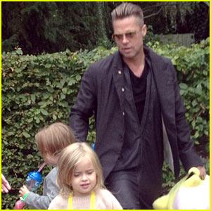 Brad Pitt: Legoland with Knox & Vivienne!
