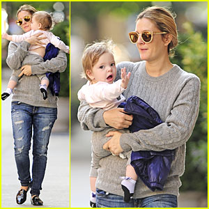 Drew Barrymore Carries Olive After NYC Ballet Gala!