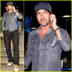 Gerard Butler Lands in Los Angeles After Long Travel Day