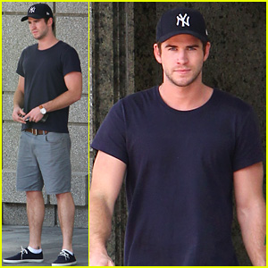 Liam Hemsworth Spotted in Atlanta After Filming 'Mockingjay'