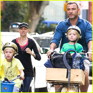 Naomi Watts & Liev Schreiber Exercise Early as a Family!