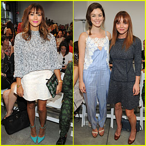 Rashida Jones & Christina Ricci: Thakoon Fashion Show!