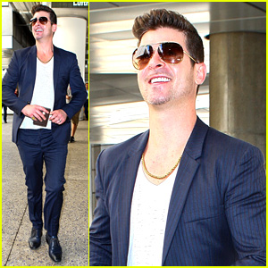 Robin Thicke Talks VMAs Performance with Miley Cyrus