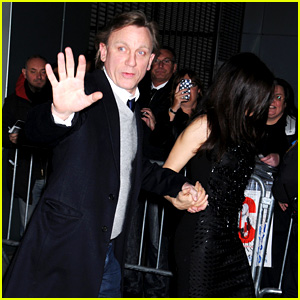 Daniel Craig & Rachel Weisz Hold Hands on Opening Night!